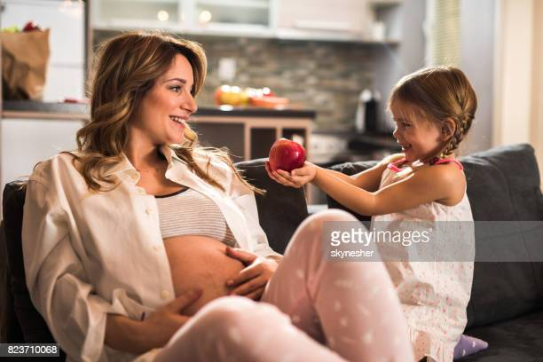 Here's an apple for you mommy!