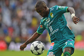 Hernan Burbano of Leon controls the ball during their Mexican Apertura 2016 Tournament football match at the Hidalgo stadium on July 16 in Pachuca...