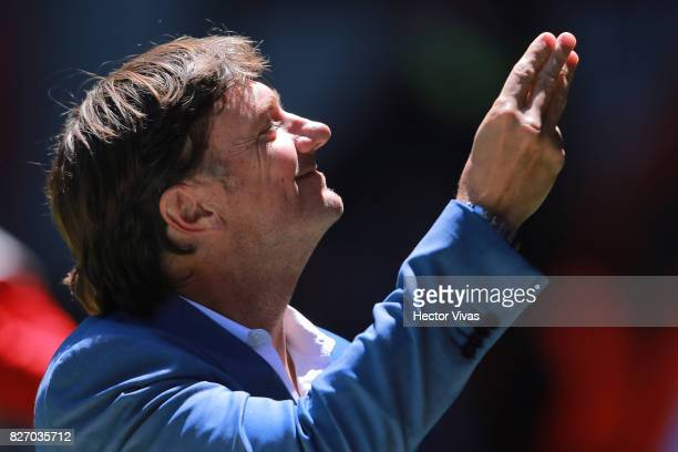 Hernan Cristante coach of Toluca gestures during the third round match between Toluca and Atlas as part of the Torneo Apertura 2017 Liga MX at...