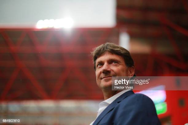 Hernan Cristante coach of Toluca smiles prior the semifinals first leg match between Toluca and Chivas as part of the Torneo Clausura 2017 Liga MX at...