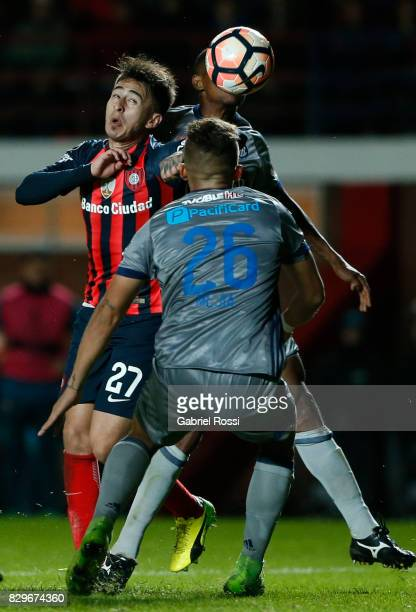 Hernan Gabriel Rojas of San Lorenzo heads the ball during a second leg match between San Lorenzo and Emelec as part of round of 16 of Copa CONMEBOL...