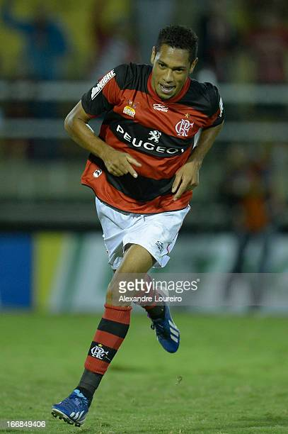 Hernane of Flamengo celebrates a goal during the match between Flamengo and Remo as part of Brazil Cup 2013 at Raulino de Oliveira Stadium on April...