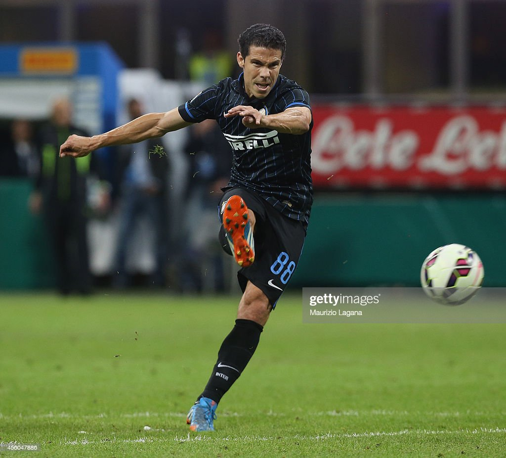 <a gi-track='captionPersonalityLinkClicked' href=/galleries/search?phrase=Hernanes&family=editorial&specificpeople=4522139 ng-click='$event.stopPropagation()'>Hernanes</a> of FC Internazionale scores his teams' second goal during the Serie A match between FC Internazionale Milano and Atalanta BC at Stadio Giuseppe Meazza on September 24, 2014 in Milan, Italy.