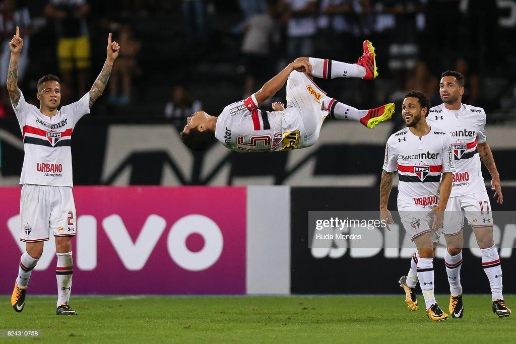Botafogo v Sao Paulo - Brasileirao Series A 2017