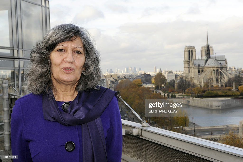 Hero Ibrahim Ahmed, wife of Iraqi President Jalal Talabani poses, on November 18, 2009 during a visit at the Arab World Institute (IMA), in Paris. France laid the groundwork on November 16 for deeper ties with Iraq, signing two deals aimed at putting French know-how back in play in the country six years after Paris shunned the U.S.-led war to topple Saddam Hussein.