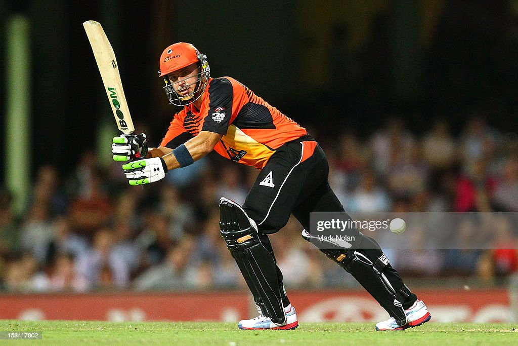 <a gi-track='captionPersonalityLinkClicked' href=/galleries/search?phrase=Herschelle+Gibbs&family=editorial&specificpeople=193820 ng-click='$event.stopPropagation()'>Herschelle Gibbs</a> of the Scorchers bats during the Big Bash League match between the Sydney Sixers and the Perth Scorchers at SCG on December 16, 2012 in Sydney, Australia.