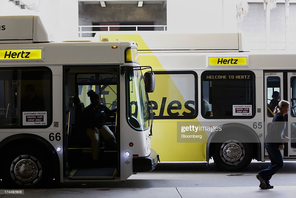 Find the best prices on Hertz car hire in Los Angeles Airport and read customer reviews. Book online today with the world's biggest online car rental service. Save on luxury, economy and family car hire.