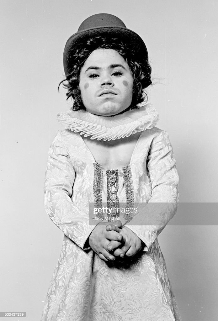 <a gi-track='captionPersonalityLinkClicked' href=/galleries/search?phrase=Herve+Villechaize&family=editorial&specificpeople=1691626 ng-click='$event.stopPropagation()'>Herve Villechaize</a> in 'Elizabeth I' in 1972.