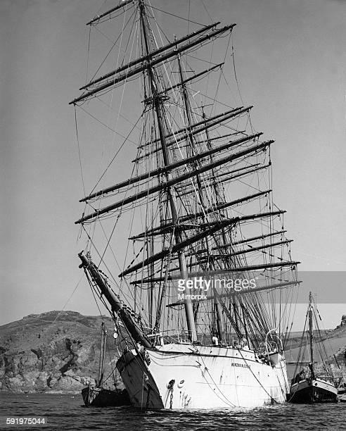 Herzogin Cecile Windjammer Ship stranded on rocks off Bolt Head South Devon 17th May 1936