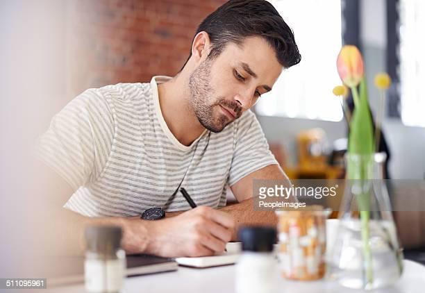 Er hat das Schreiben Sachen