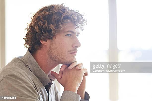 Solo Un Uomo Giovane Foto e immagini stock  Getty Images