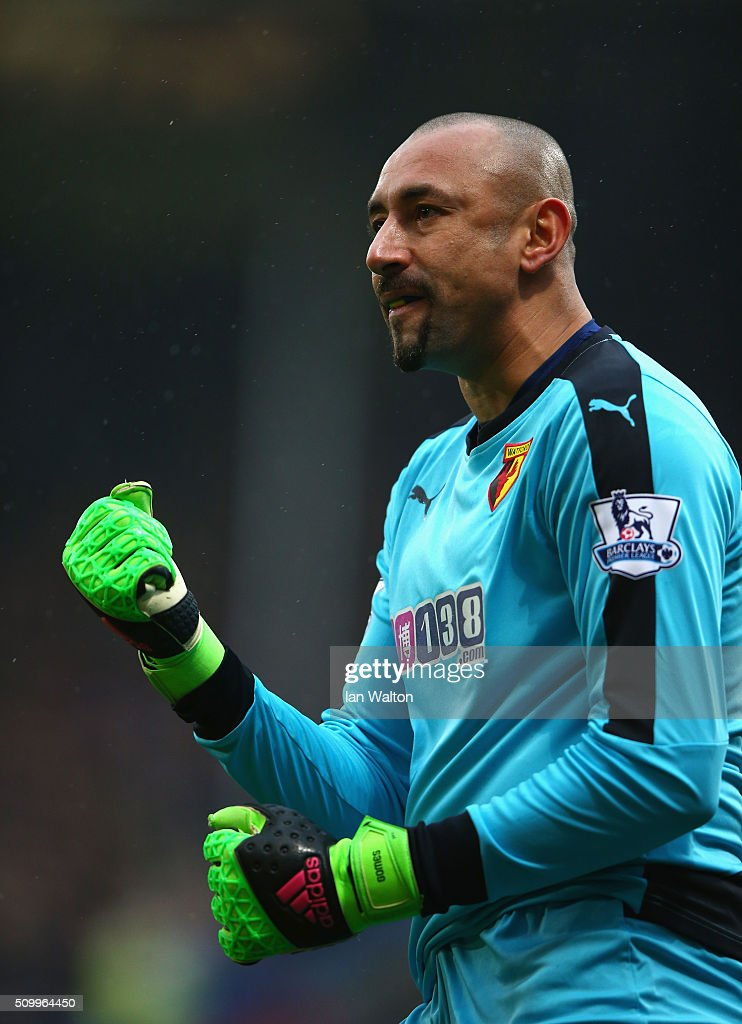 Heurelho Gomes of Watford celebrates his team's first goal during the Barclays Premier League match between Crystal Palace and Watford at Selhurst Park on February 13, 2016 in London, England.