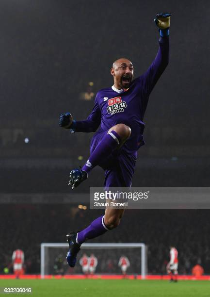 Heurelho Gomes of Watford celebrates the second goal during the Premier League match between Arsenal and Watford at Emirates Stadium on January 31...