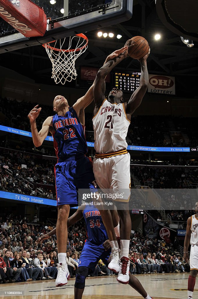 J.J. Hickson #21 of the Cleveland Cavaliers shoots against Tayshaun Prince #22 of the Detroit Pistons during the game at The Quicken Loans Arena on March 25, 2011 in Cleveland, Ohio.