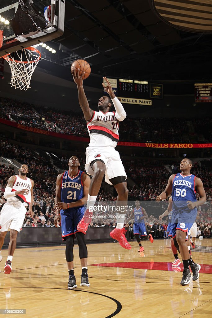J.J. Hickson #21 of the Portland Trail Blazers goes to the basket during the game between the Philadelphia 76ers and the Portland Trail Blazers on December 29, 2012 at the Rose Garden Arena in Portland, Oregon.