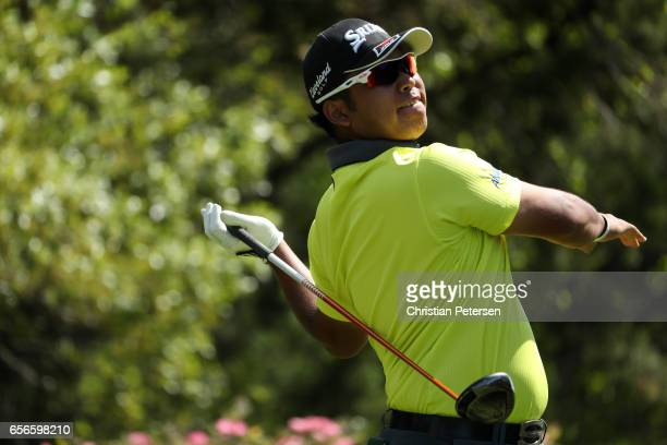 Hideki Matsuyama of Japan tees off on the 18th hole of his match during round one of the World Golf ChampionshipsDell Technologies Match Play at the...
