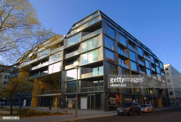 Hier auf dem Areal zwischen Neustaedtischer Kirchstrasse Dorotheen strasse Mittelstrasse und Schadowstrasse befand sich ehemals ein Parkplatz der...