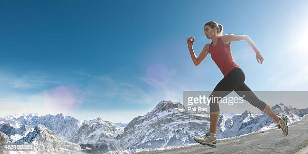 Altitude de course sur piste de la montagne
