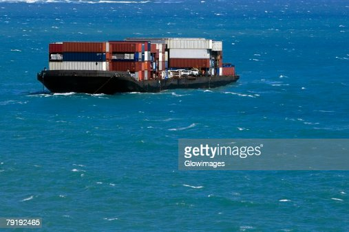 High angle view of a container ship in the sea : Foto de stock