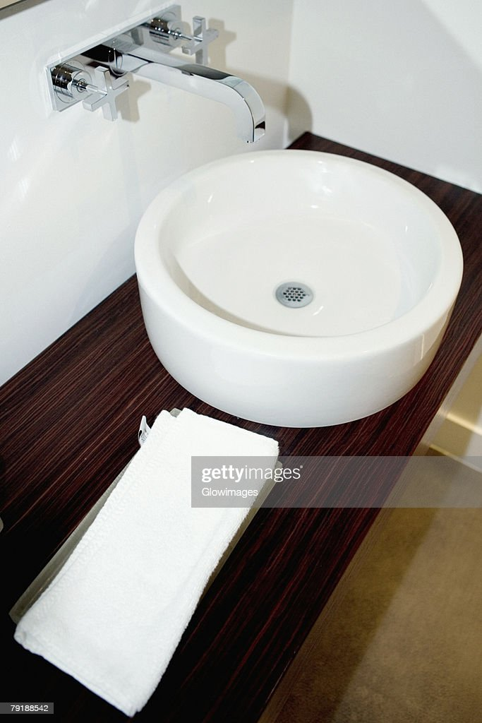 High angle view of a towel near a bathroom sink : Foto de stock