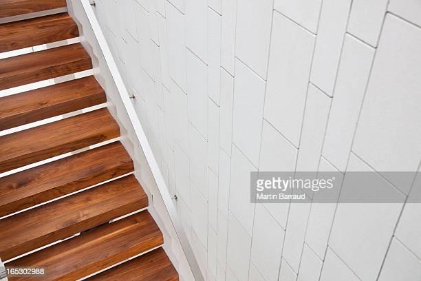 Erhöhte Ansicht von einer hölzernen Treppe