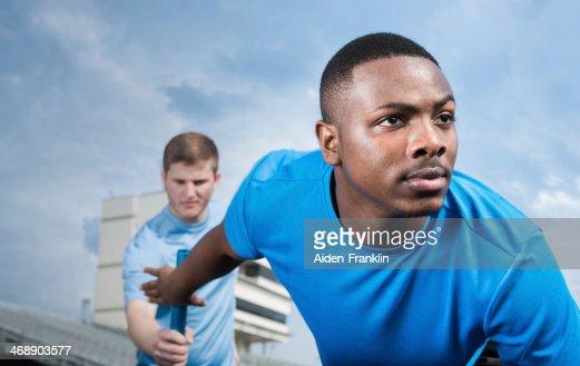 高校選手処理オフリレーバトンにレース