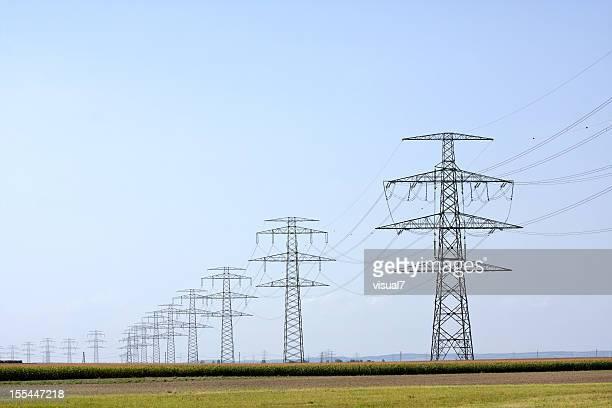 高電圧 pylons