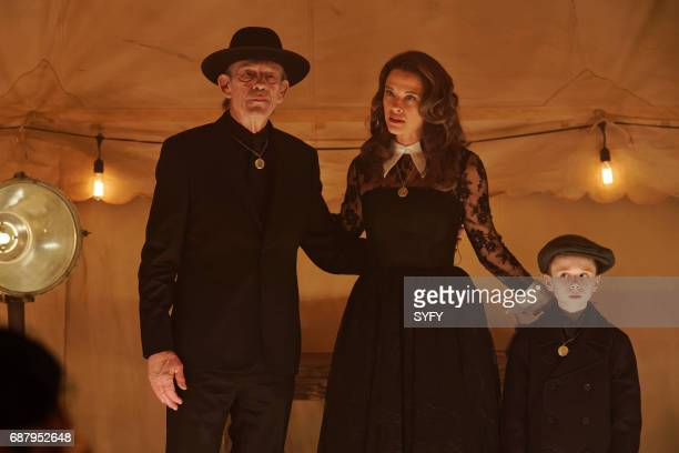 12 MONKEYS 'Higher Power' Episode 306 Pictured Christopher Lloyd as Zalmon Shaw Scottie Thompson as Vivian Nicholas Fry as Pallid Boy