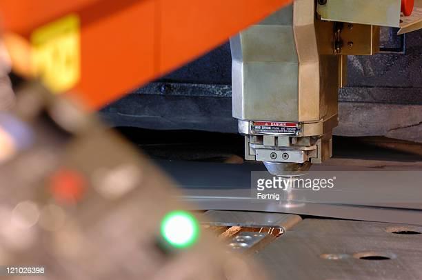 High-tech a controllo CNC macchina di taglio laser metallo