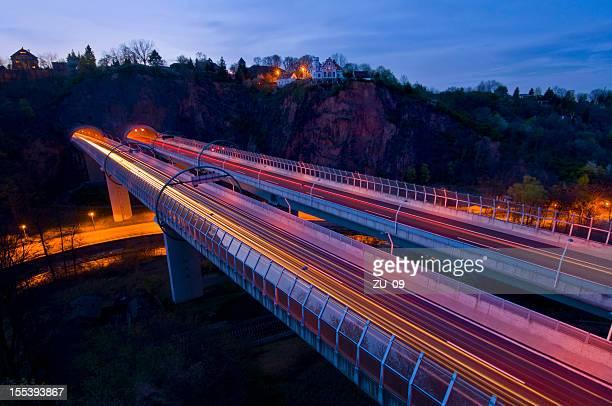 Highway (Brücke in die tunnel, nahe Dresden)