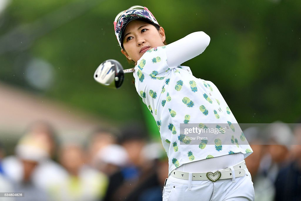 <a gi-track='captionPersonalityLinkClicked' href=/galleries/search?phrase=Hikari+Kawamitsu&family=editorial&specificpeople=14050416 ng-click='$event.stopPropagation()'>Hikari Kawamitsu</a> of Japan hits her tee shot on the 1st hole during second round of the Resorttrust Ladies at the Grandee Naruto Golf Club XIV on May 28, 2016 in Naruto, Japan.
