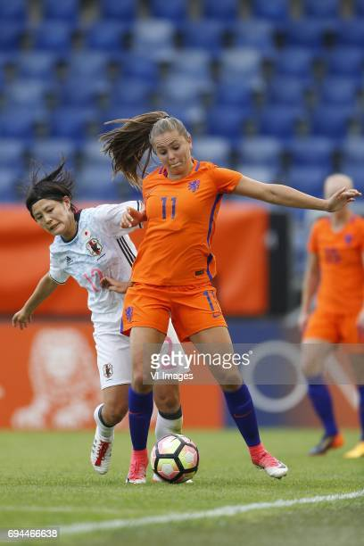 Hikaru Naomoto of Japan Lieke Martens of the Netherlandsduring the friendly match between the women of The Netherlands and Japan at the Rat Verlegh...