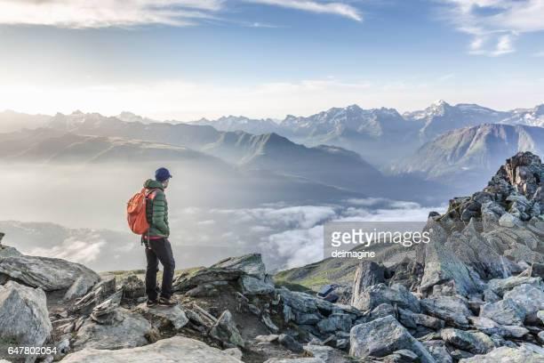 Blick auf die Bergkette Wanderer