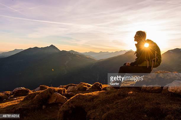 Wanderer genießen Sie die Alpen