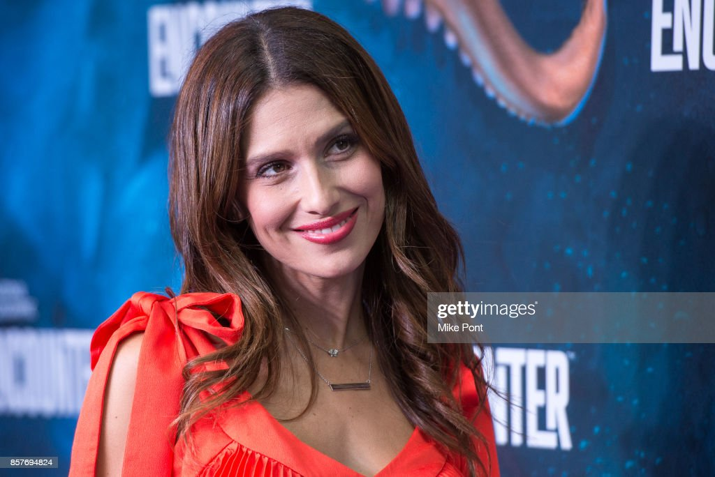 Hilaria Baldwin attends the National Geographic Encounter Blue Carpet VIP Preview Celebration on October 4, 2017 in New York City.