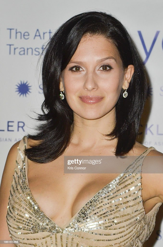 <a gi-track='captionPersonalityLinkClicked' href=/galleries/search?phrase=Hilaria+Baldwin&family=editorial&specificpeople=7856471 ng-click='$event.stopPropagation()'>Hilaria Baldwin</a> attends the Some Enlightened Evening Benefit Gala at Andrew W. Mellon Auditorium on October 17, 2013 in Washington, DC.