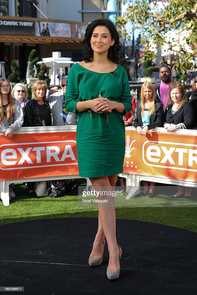 Hilaria Baldwin visits Extra at The Grove on January 28, 2013 in Los Angeles, California.
