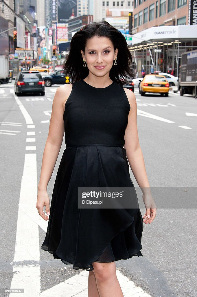 Hilaria Baldwin visits 'Extra' in Times Square on May 7, 2013 in New York City.