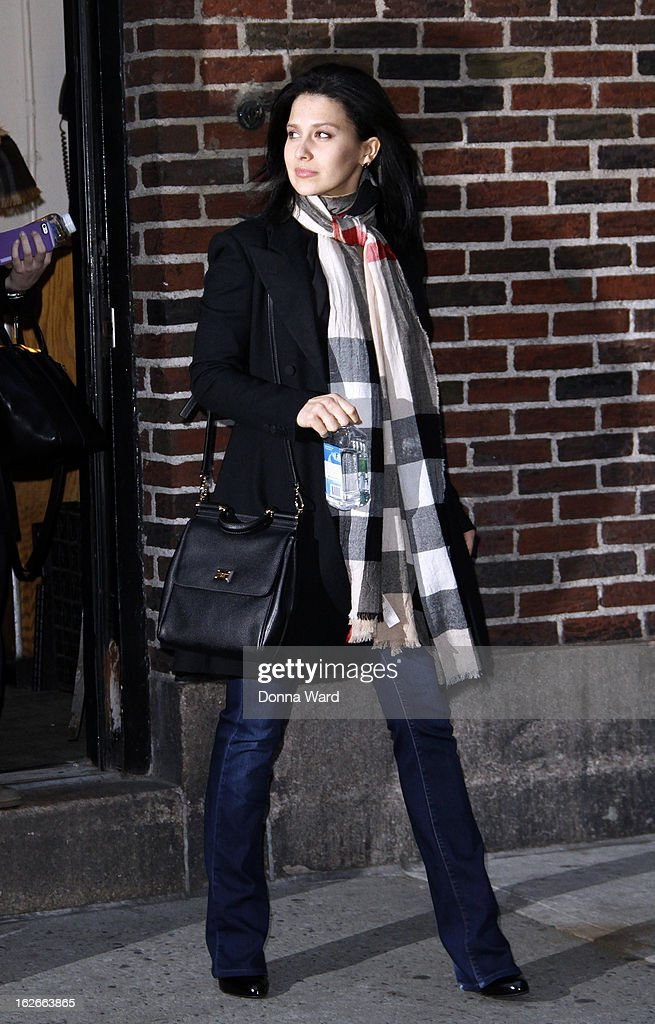 Hilaria Bladwin leaves the 'Late Show with David Letterman' at Ed Sullivan Theater on February 25, 2013 in New York City.