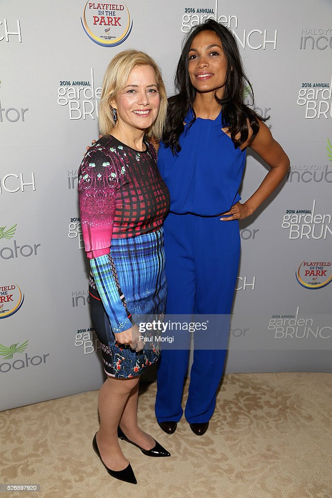 Hilary Rosen (L) and Rosario Dawson attend the Garden Brunch prior to the 102nd White House Correspondents' Association Dinner at the Beall-Washington House on April 30, 2016 in Washington, DC.