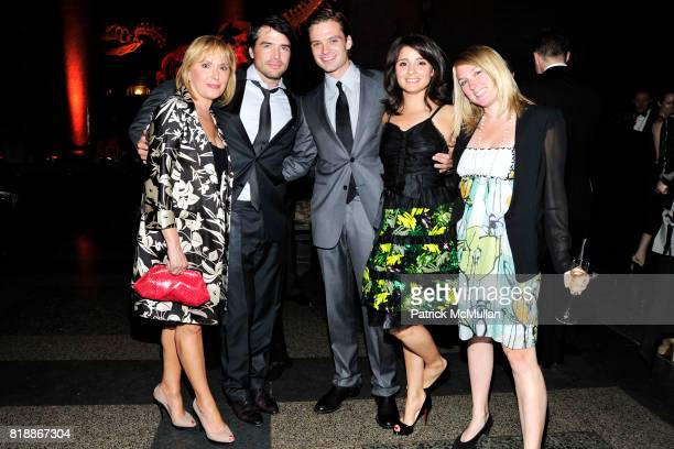Hilary Shore Matthew Settle Sebastian Applebee and Liz attend AMERICAN MUSEUM OF NATURAL HISTORY'S 2010 Museum Dance Sponsored by LILLY PULITZER at...