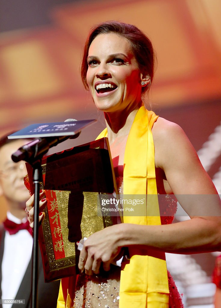 Hilary Swank accepts the Huading Global Critics Award onstage during the 21st Annual Huading Global Film Awards at The Theatre at Ace Hotel on December 15, 2016 in Los Angeles, California.