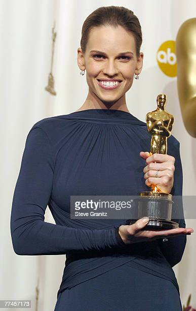 Hilary Swank winner Best Actress in a Leading Role for 'Million Dollar Baby'