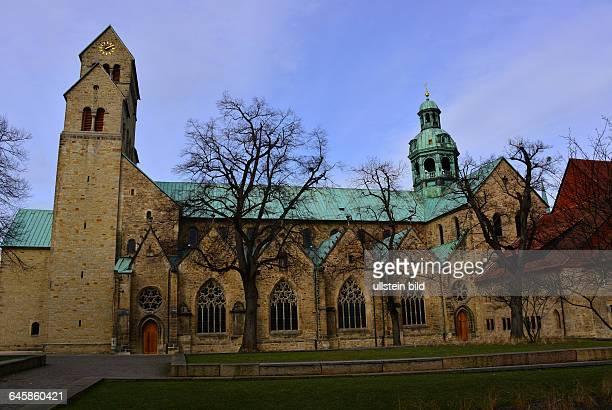 Hildesheim Seit 1985 gehört dieser Dom zum Weltkulturerbe der UNESCO