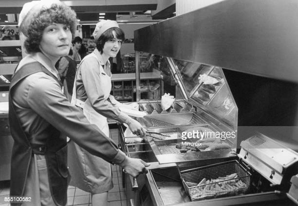 Hill Street Centre Middlesbrough 29th May 1982 Behind the scenes in mall restaurant