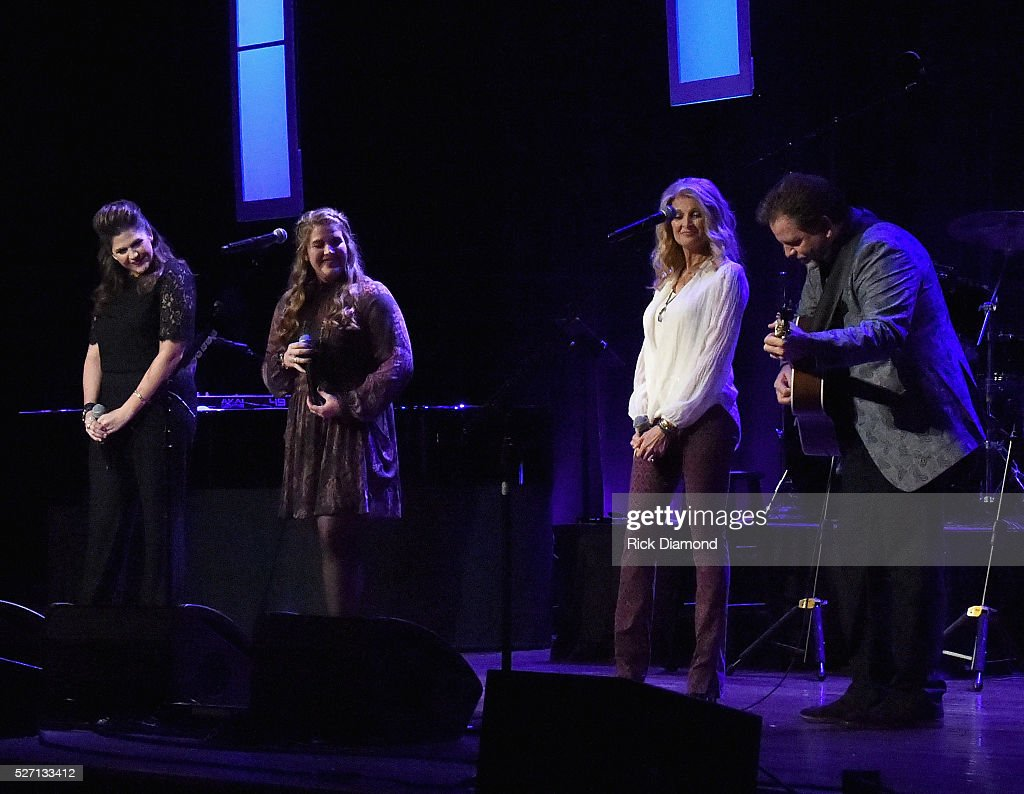 Sam 39 s place music for the spirit may 1 2016 getty for Hillary scott and the scott family