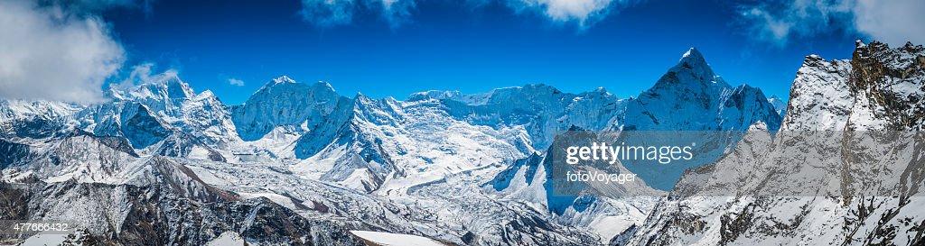 Sommets de montagnes de l'Himalaya panorama Island Peak Makalu Baruntse Ama Dablam : Photo