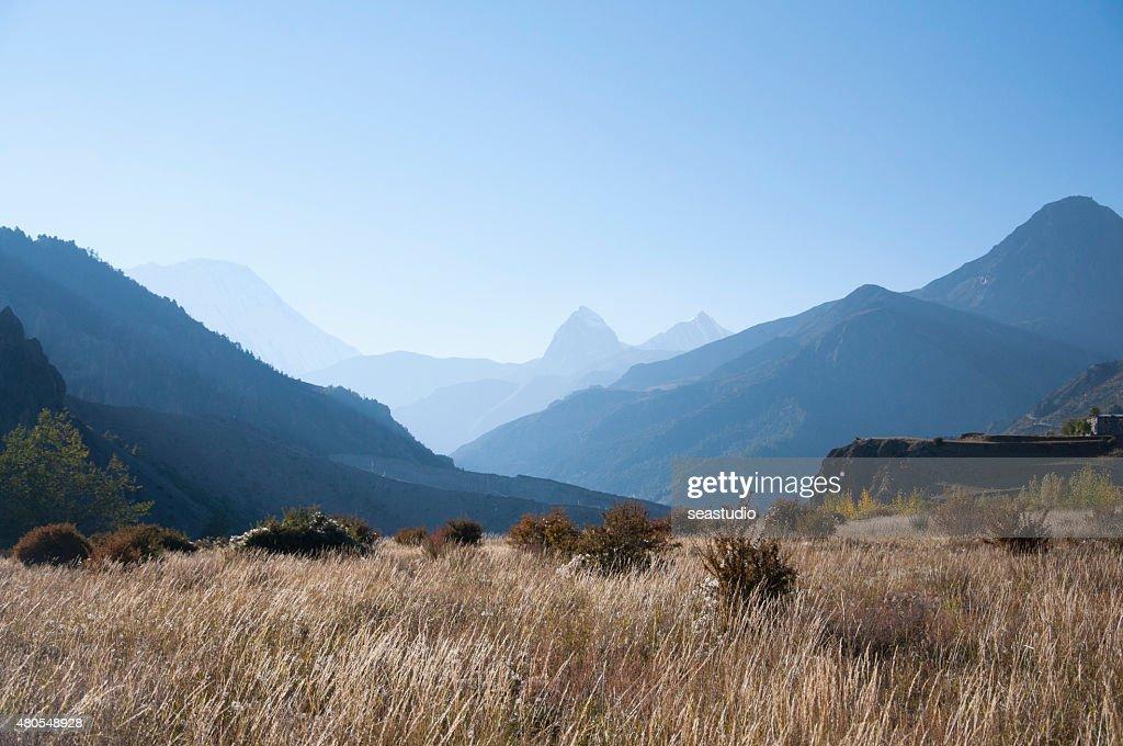 Montanhas Himalaya : Foto de stock