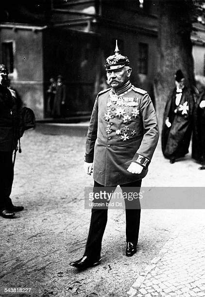 Hindenburg Paul von Politician Field Marshal General Germany *02101847President of the Reich Portrait at a festivity of the Order of Saint John in...