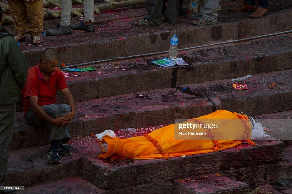 Hindu Funeral at Pashupatinath Temple